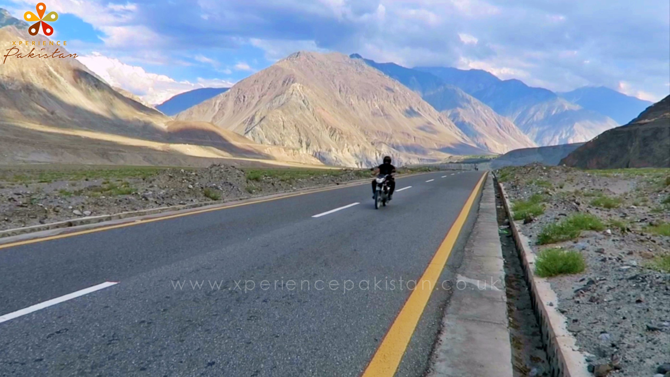 bike ride on the karakorum highway pakistan